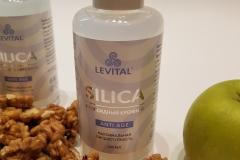 Грецкие орехи, яблоко и Silica
